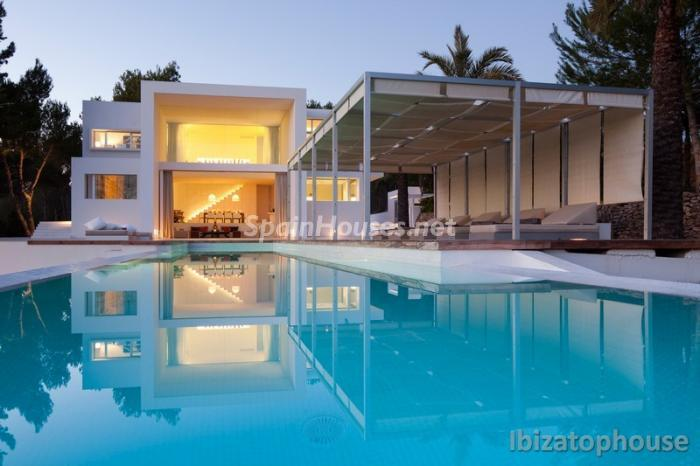 2. Villa for sale in Ibiza Balearic Islands - For Sale: Stunning Villa in Ibiza, Balearic Islands