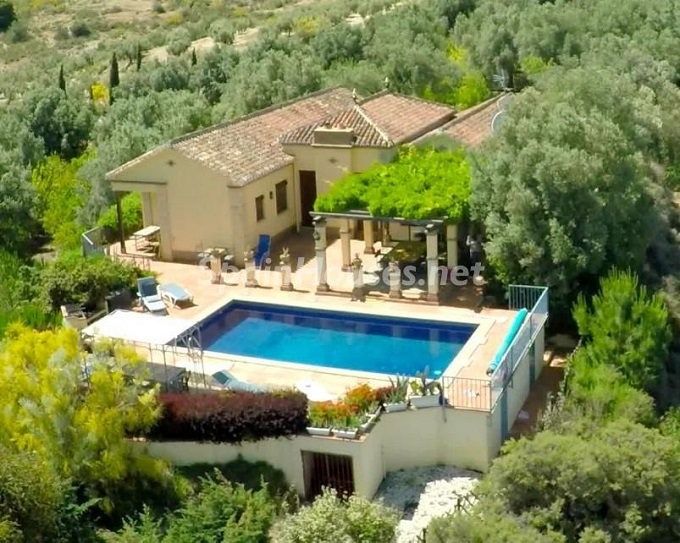 2. Villa for sale in Lecrín (Granada)