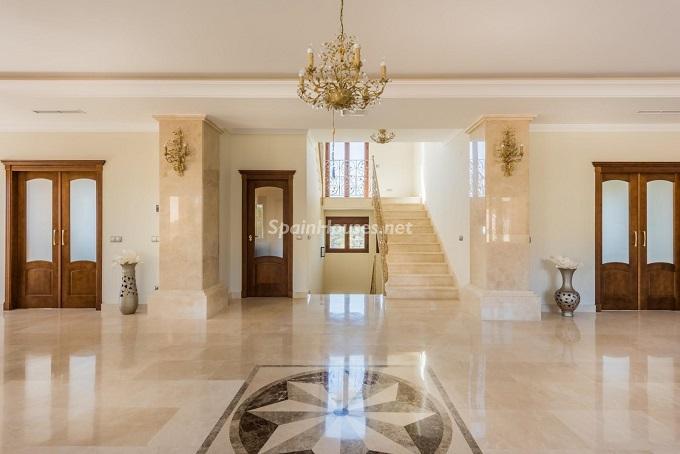 2. Villa for sale in Marbella - For Sale: Outstanding Villa in Marbella, Málaga