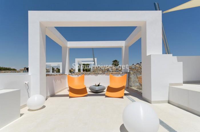 2. Villa for sale in Orihuela Costa Alicante e1458292841560 - For Sale: Brand New Villa in Orihuela Costa (Alicante)
