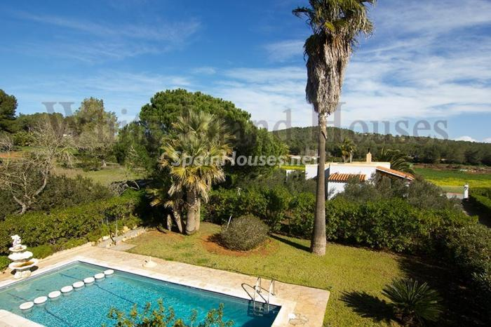 2. Villa for sale in Santa Eulalia del Río