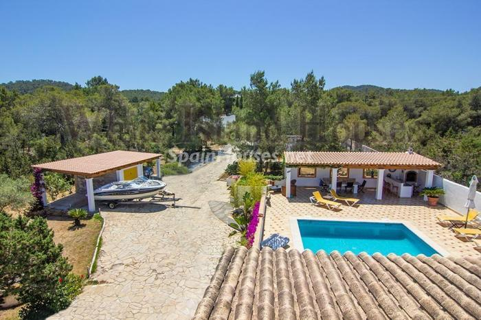 2-villa-for-sale-in-santa-eulalia-del-rio-ibiza
