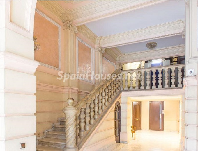 20. Apartment for sale in Barcelona - For Sale:  Renovated Apartment in Barcelona