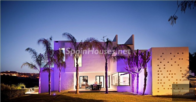20. Villa for sale in Benahavís - For Sale: Luxury Villa in Benahavís, Costa del Sol, Málaga