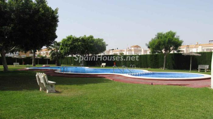 20472058 1571406 foto 709984 - Homes for Sale: 8 Listings Under €90,000 in Torrevieja, Alicante