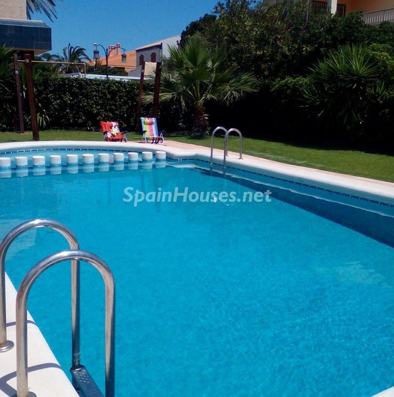 21 1 e1501511253899 - Cool off in these 27 swimming pools, perfect to cope with the Spanish heat!