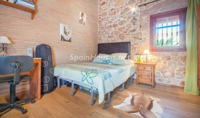 21. House for sale in El Perelló