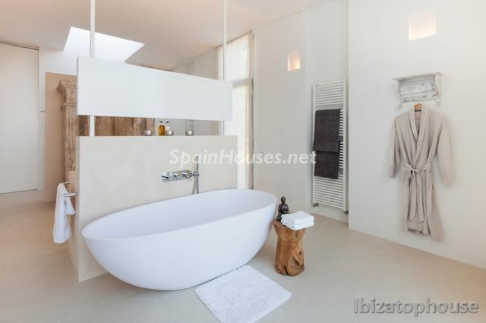21. Villa for sale in Ibiza Balearic Islands - For Sale: Stunning Villa in Ibiza, Balearic Islands