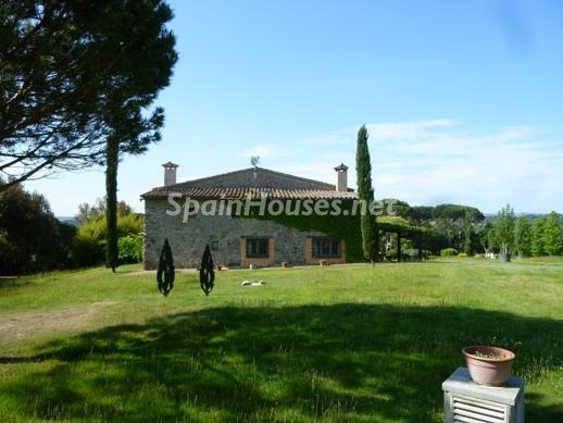 218 - Beautiful Country House for Sale in Sils, Girona