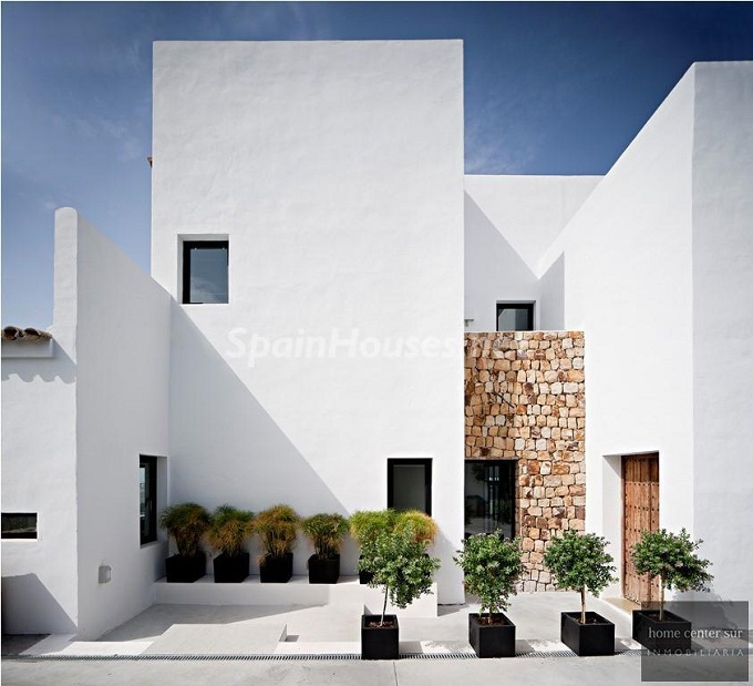 22. Villa for sale in Benahavís - For Sale: Luxury Villa in Benahavís, Costa del Sol, Málaga