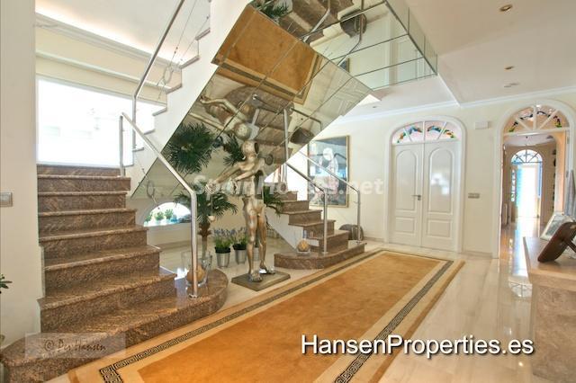 2208118 1086199 foto22776604 - Amazing Penthouse for Sale in Benalmádena Costa, Málaga
