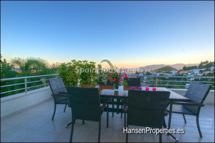 2208118 931170 foto16400461 - Modern Style Villa for Sale in Malaga City