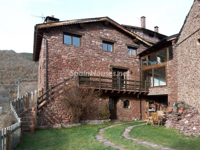 224 - Country House for sale in the Pyrenees, Lleida Province
