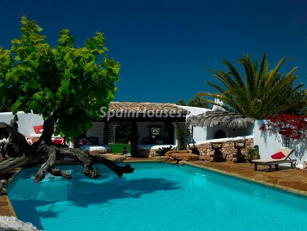 226 - Beautiful Villa for Sale in Ibiza, Balearic Islands