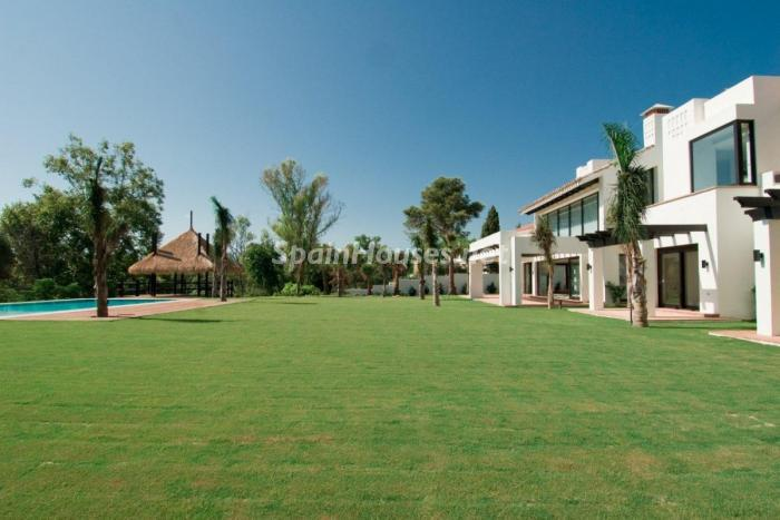 229 - Stunning Villa for Sale in Marbella, Costa del Sol