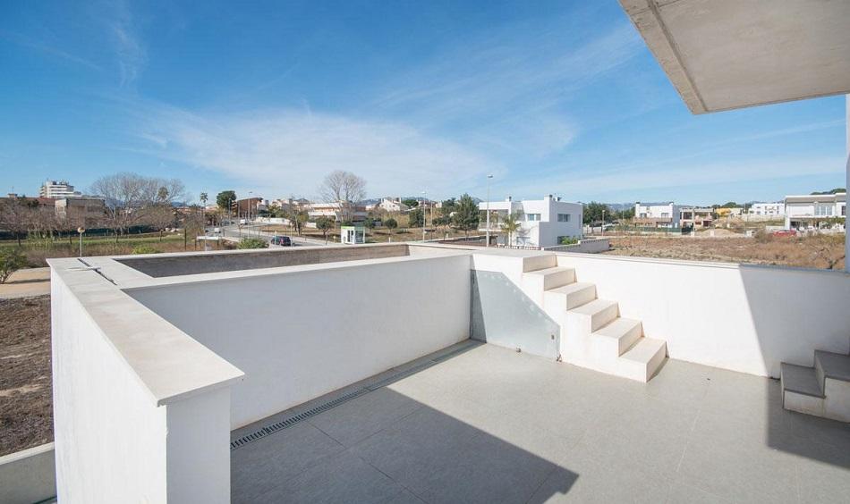 23. Beach house in Cambrils Tarragona 1 - For Sale: Beach House in Cambrils, Tarragona