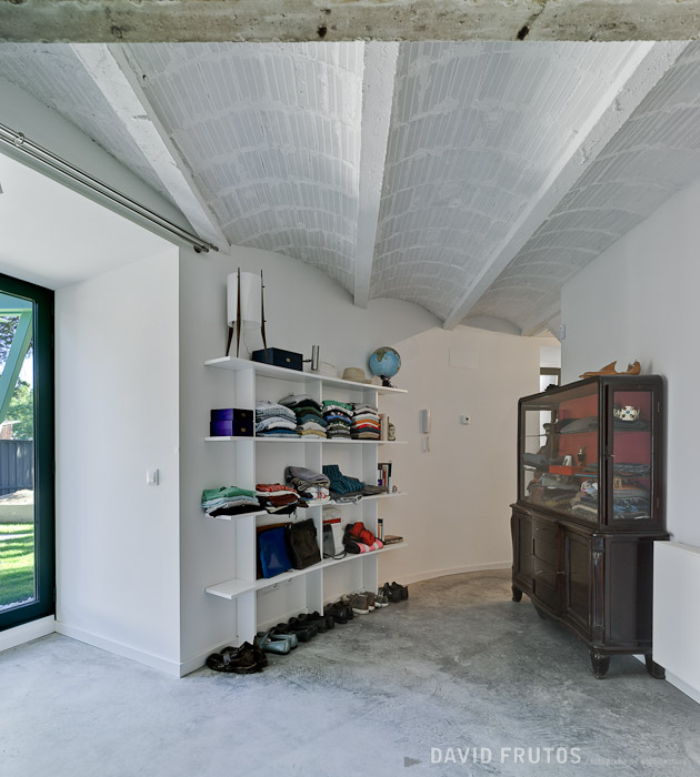 23. Casa Aljibe in Alpedrete Madrid - Single House Re-Using a Former Water Cistern by Valdivieso Arquitectos