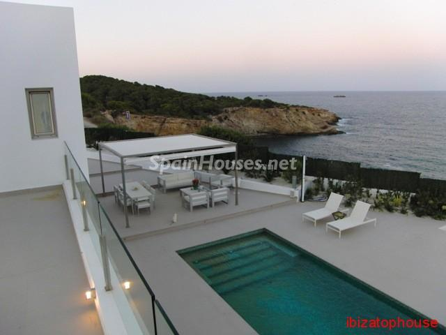23742 1013636 foto20945566 - Minimalist white villa for sale in Ibiza, Balearic Islands