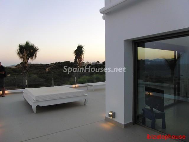 23742 1013636 foto20945568 - Minimalist white villa for sale in Ibiza, Balearic Islands