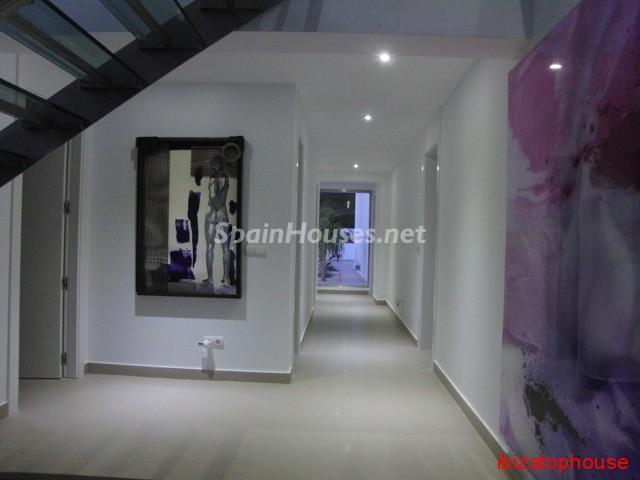23742 1013636 foto20945569 - Minimalist white villa for sale in Ibiza, Balearic Islands