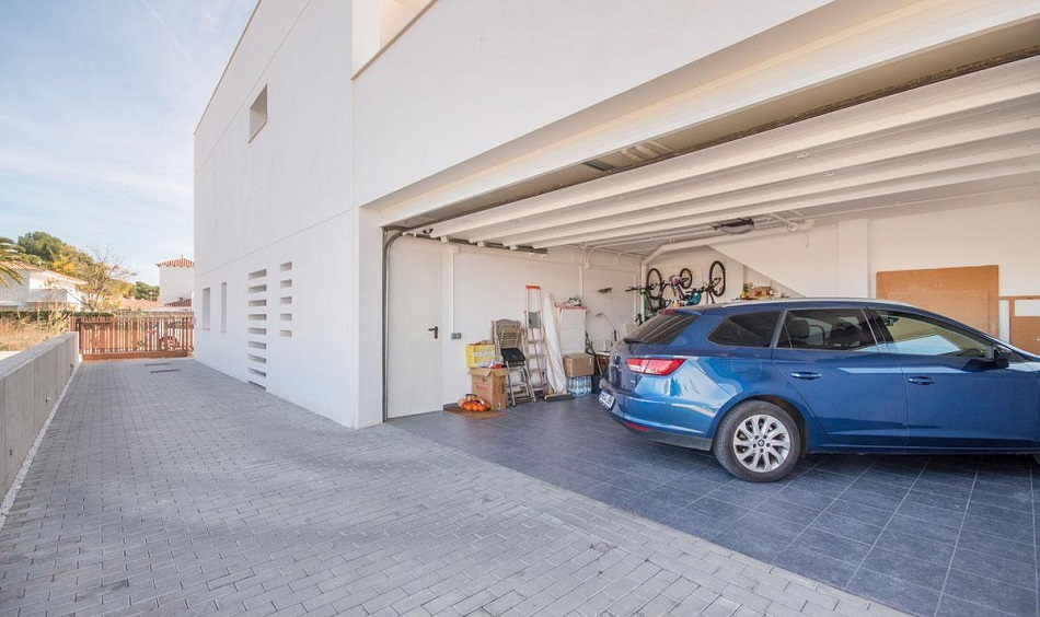 24. Beach house in Cambrils Tarragona 1 - For Sale: Beach House in Cambrils, Tarragona