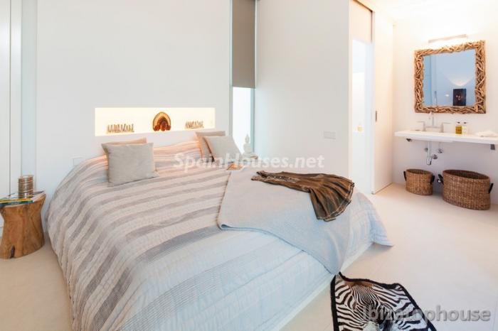 24. Villa for sale in Ibiza Balearic Islands - For Sale: Stunning Villa in Ibiza, Balearic Islands