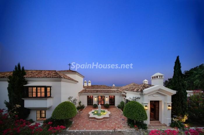 244 - Fabulous Villa for sale in Marbella (Málaga)