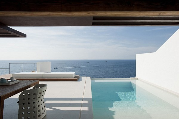 25 - Minimalist Home in Ibiza (Spain)