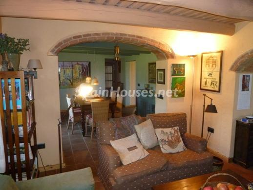 25518291 1227950 foto25845047 - Beautiful Country House for Sale in Sils, Girona