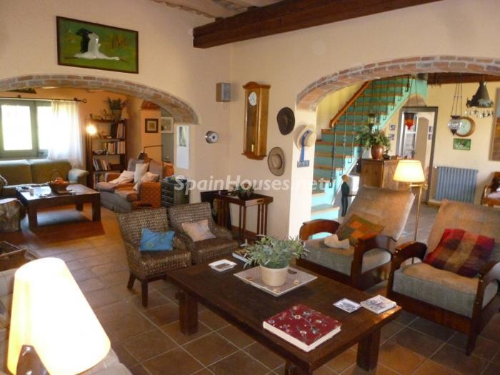 25518291 1227950 foto25867767 - Beautiful Country House for Sale in Sils, Girona