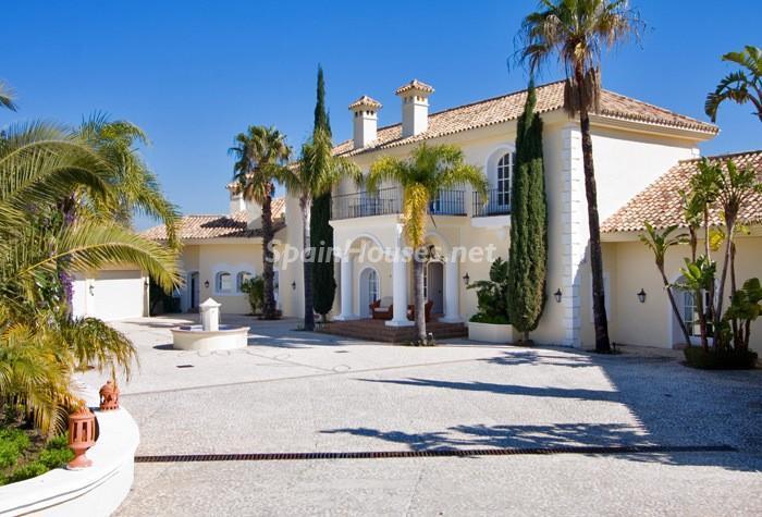 257 - Beautiful Villa for Sale in Benahavís, Málaga