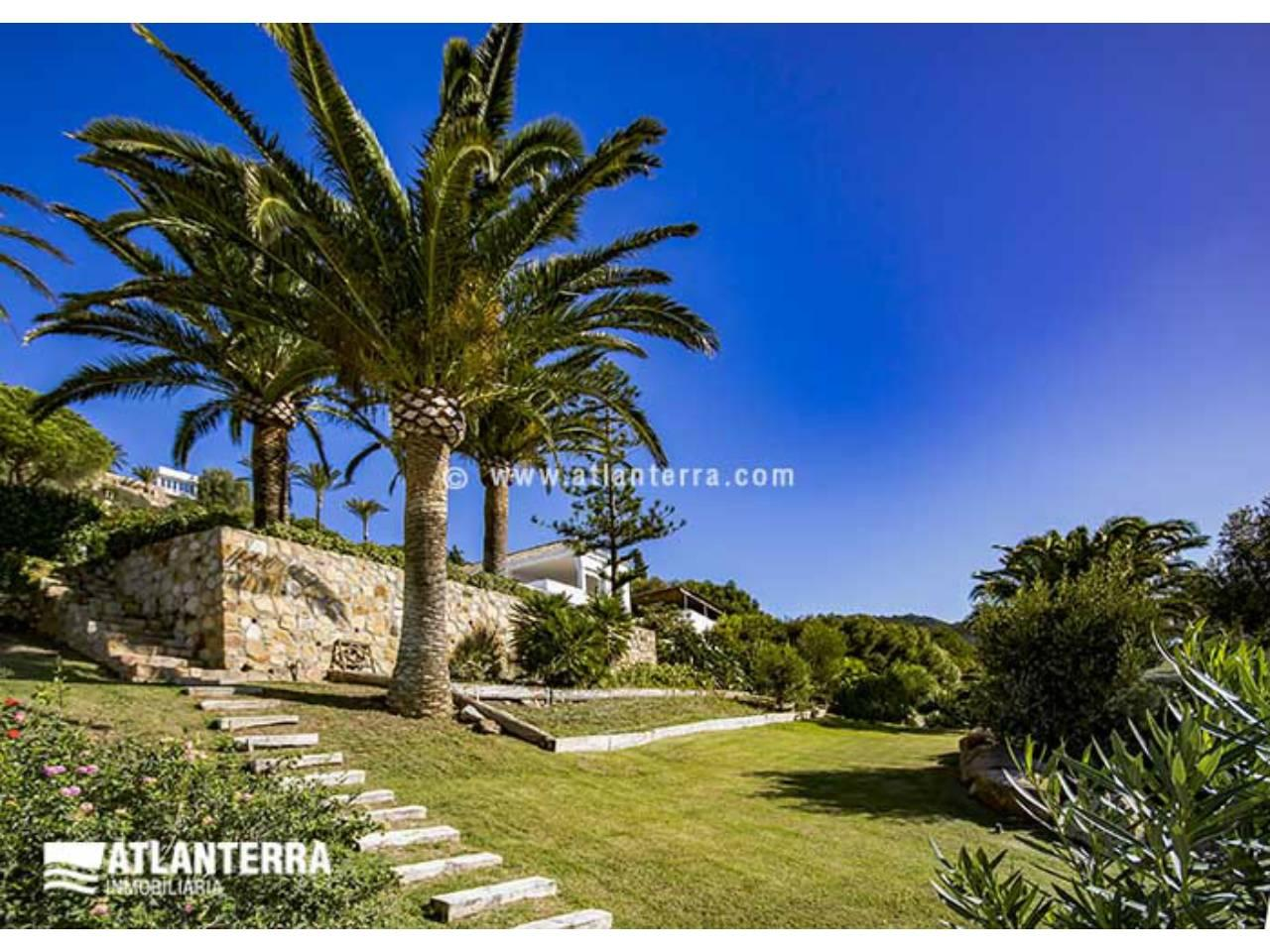 25885350 3170057 foto 228395 - Rustic style, privacy and wonderful views in this villa in Zahara de los Atunes (Cádiz)
