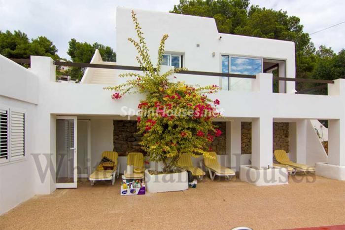 267 - White and Minimalist Villa for Sale in Ibiza, Balearic Islands