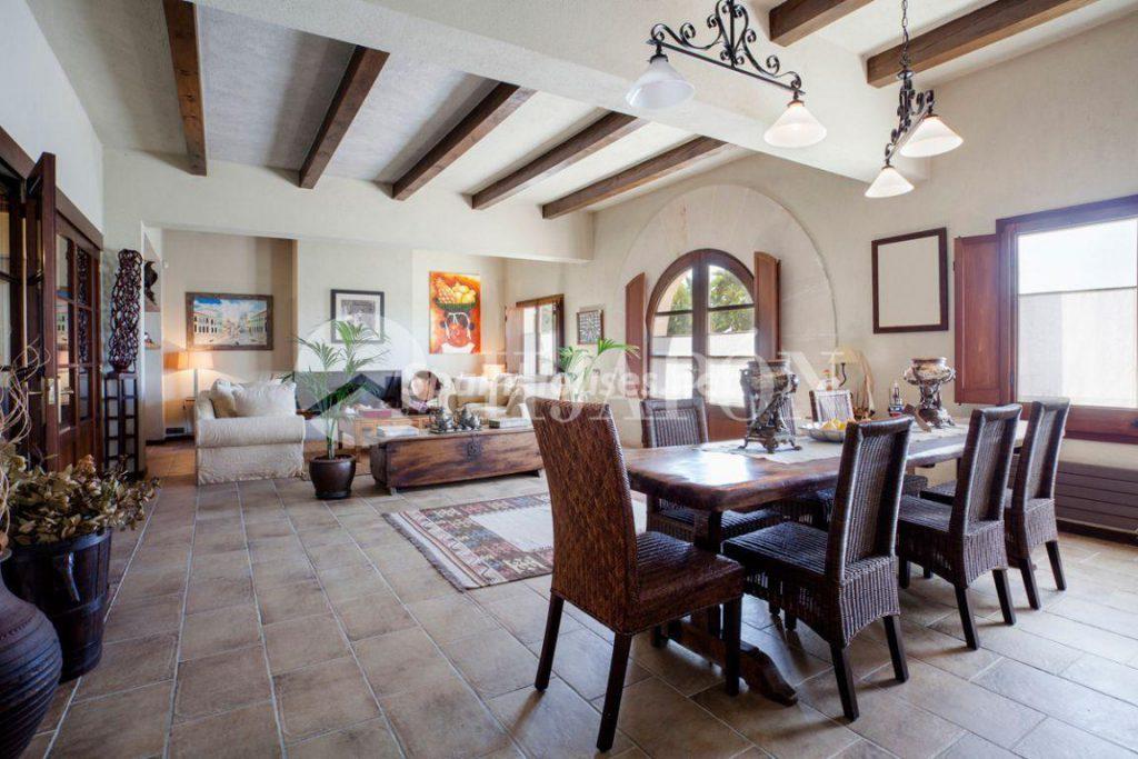 2674764 1935603 foto 290908 1024x683 - Latin style in this wonderful villa in Alella, Barcelona