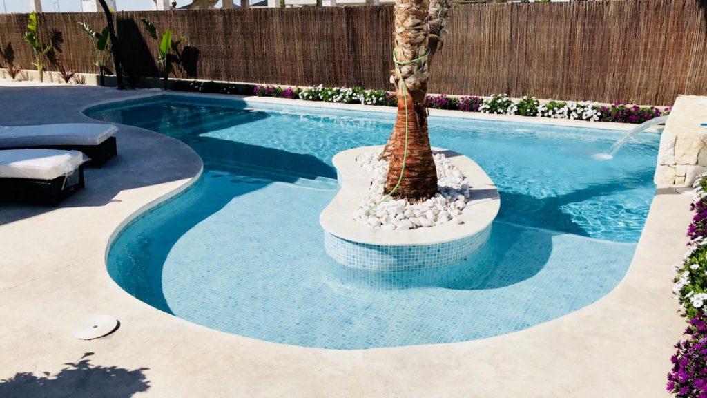 28013442 2764628 foto 059140 1024x576 - Sun, design and a lagoon pool in this villa in La Tercia (Murcia)