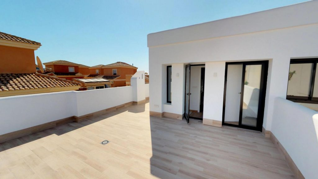 28013442 2764628 foto 110174 1024x576 - Sun, design and a lagoon pool in this villa in La Tercia (Murcia)