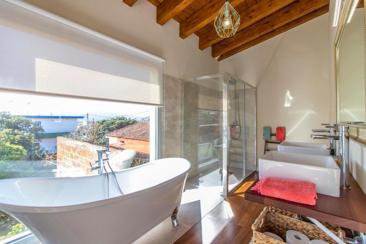 28599493 3224845 foto 849174 - Modern architecture and dream style in this brand new villa in San Cristóbal de la Laguna (Santa Cruz de Tenerife)