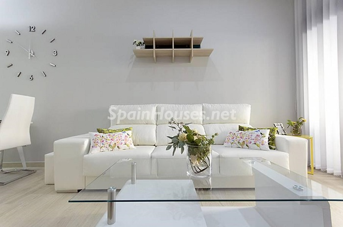 3. Apartment for sale in Torrevieja Alicante - Beach Apartment for Sale in Torrevieja (Alicante)