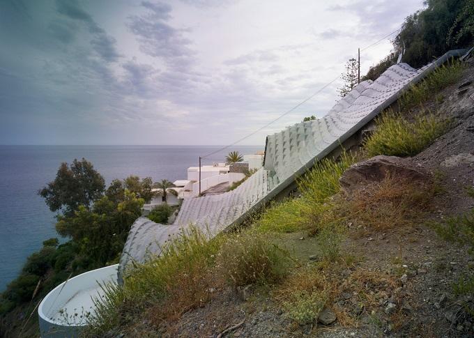 3. Cliff House by Gilbartolomé - House on the Cliff: a residence designed by GilBartolomé Architects