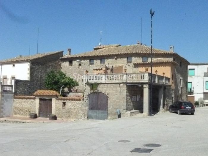 3. Detached house for sale in Cervera Lleida - For Sale: Beautiful Detached House in Cervera, Lleida