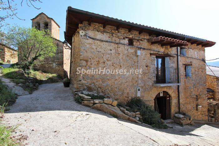 3. Detached house for sale in Huesca
