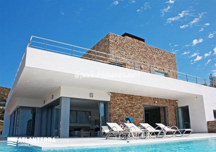 3. Detached villa for sale in Zahara de los Atunes