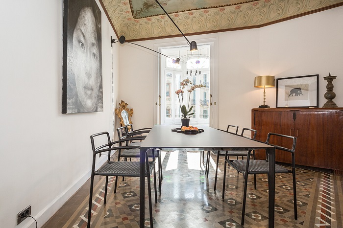 3. Flat in Eixample, Barcelona, by Squad One