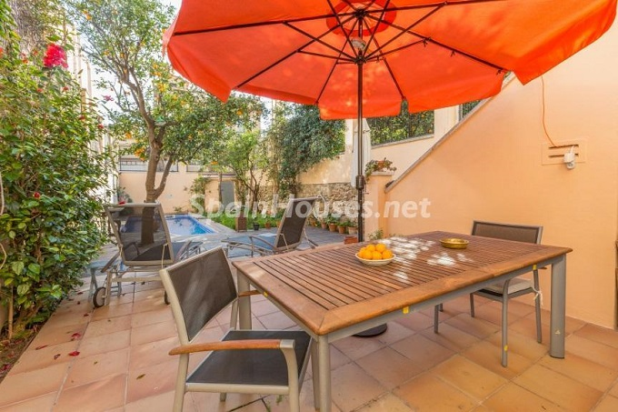 3. Home in Gràcia Barcelona - For Sale: Terraced house in the heart of Barcelona city