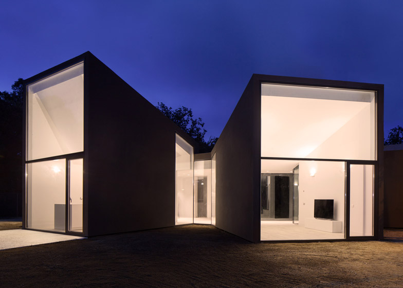 3. House and Studio YC by RTA-Office