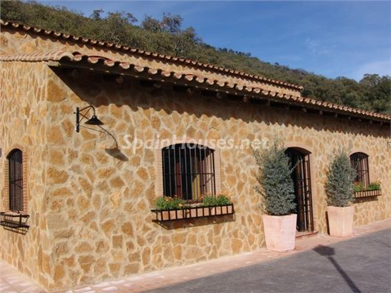 3. House for sale in Aracena Huelva - For Sale: Country House with Gorgeous Mountain Views in Aracena, Huelva