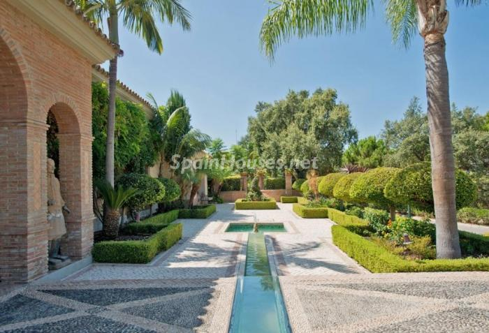 3. House for sale in Benahavís Málaga - For sale: Impressive villa in Benahavís (Málaga), don't miss the pictures!
