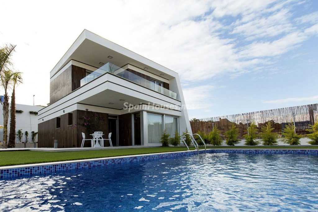 3. House for sale in Orihuela 1024x683 - Modern and stylish home for sale in Orihuela, Alicante