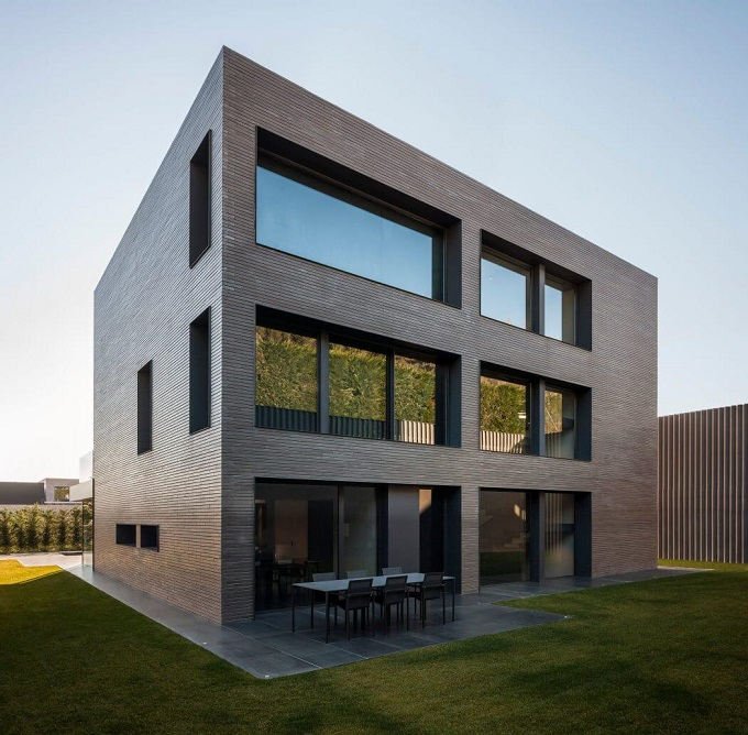 3. House in Barcelona by Francesc Rifé 1 - Contemporary Home in Barcelona by Francesc Rifé Studio
