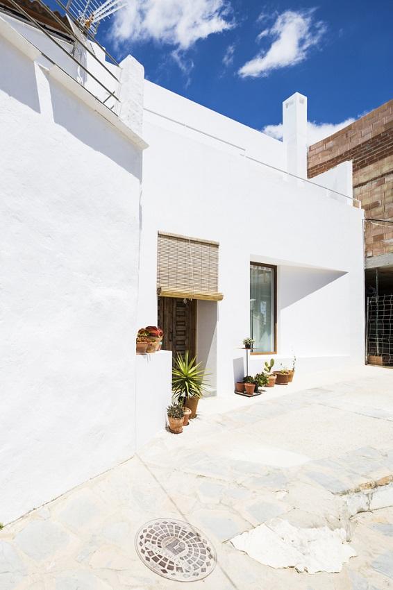 3. House in Gaucín by DTR studio architects - A single family house for a painter in Gaucín, Málaga, by DTR_studio architects